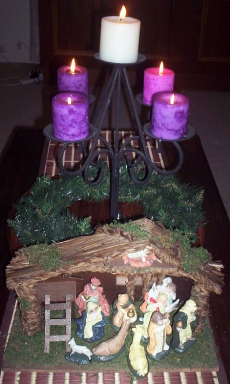 advent candles and nativity