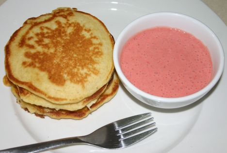 strawberry dip pikelets IMG_7134