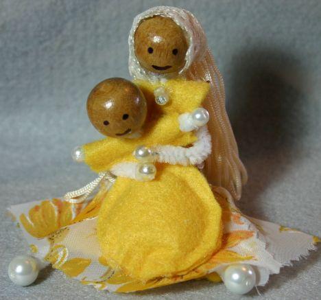 yellow mum and baby IMG_8226